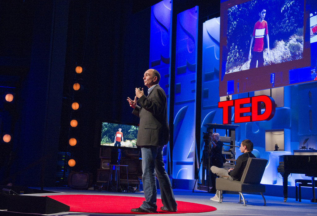 Milo & Kate - Peter Molyneux at TED